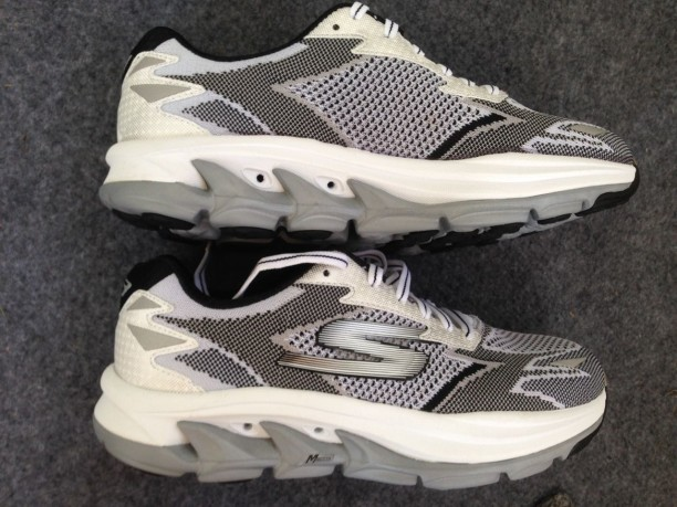 Skechers GOrun Ultra Road